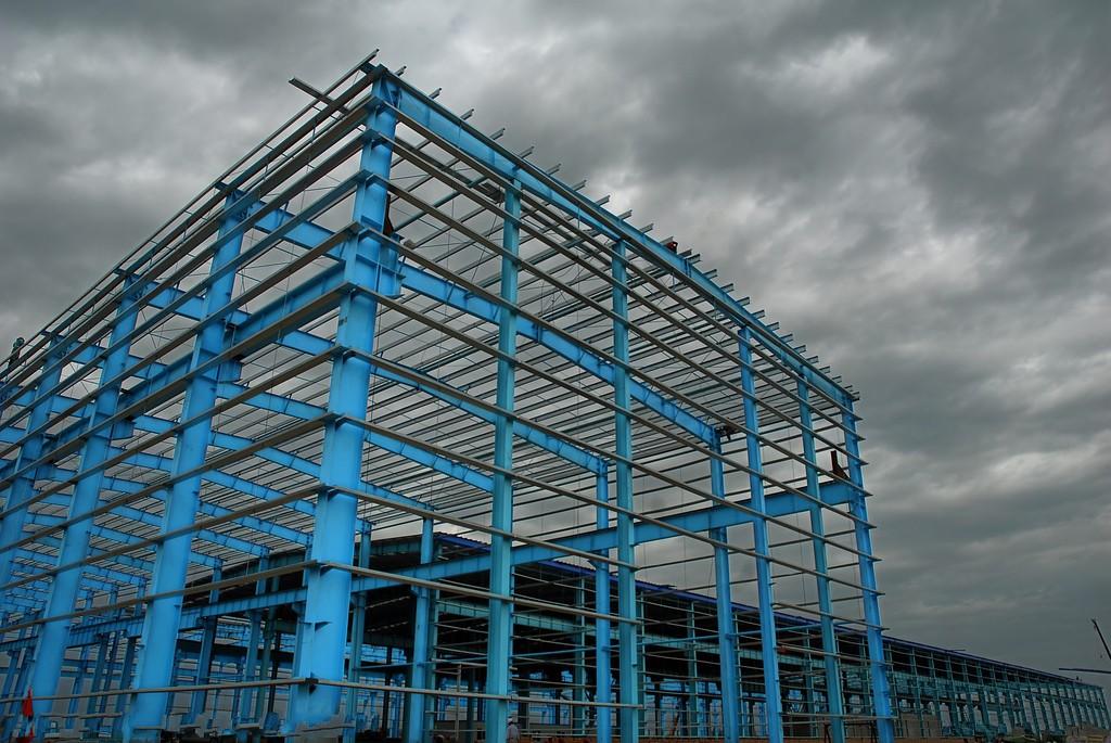 如叠合混凝土法(加大截面法),粘钢法,碳纤维加固法和体外预应力加固法
